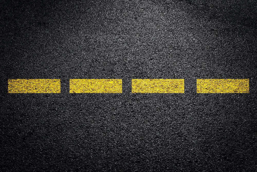 broken-yellow-lines
